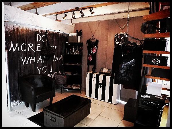 Boutique Vêtements rock, Bijoux et accessoires, Tatouages temporaires.